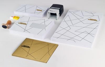 L'enveloppe standard, l'élégance du blanc, l'indispensable qu'on aime recevoir